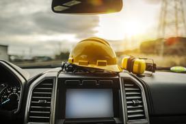Monitoring gps maszyn budowlanych - odkryj skuteczne narzędzie do monitoringu oraz zabezpieczeń floty budowlanej i maszyn leśnych.