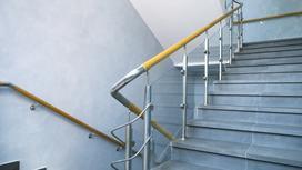 Jaka powinna być wysokość balustrady? Sprawdzamy przepisy i radzimy