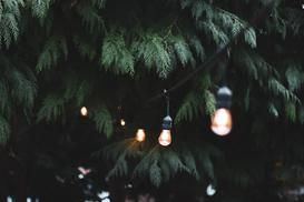 Lampy ogrodowe – cała prawda o Twoim oświetleniu zewnętrznym