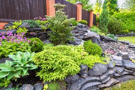 Jak wykonać kaskadę ogrodową w ogrodzie - poradnik krok po kroku