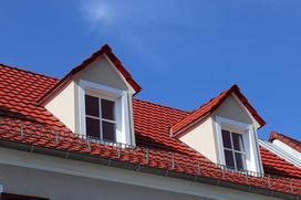 Lukarny dachowe wciąż w modzie - przykłady, ceny, zasady budowy
