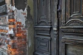 Jak szukać, sprawdzać nieruchomość, aby zaoszczędzić na remoncie?