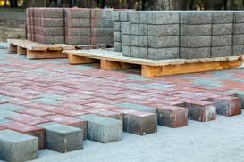 Przegląd ofert kostki betonowej - rodzaje, ceny, opinie, porady