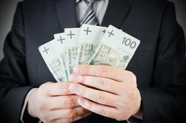 Umowa darowizny pieniędzy krok po kroku - podatek, formalności, wzór umowy
