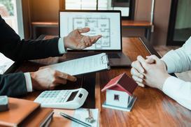 OWU – na co zwrócić uwagę przed podpisaniem umowy ubezpieczeniowej?