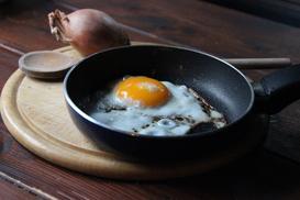 Jak wybrać najlepszą patelnię gastronomiczną?