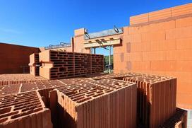 Z jakiego materiału budować ściany nośne zewnętrzne?
