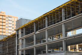 Szalunki systemowe - gotowe rozwiązanie, które przyspieszy prace budowlane