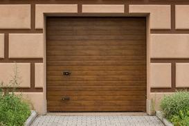 Brama garażowa uchylna - rodzaje, producenci, wymiary i ceny