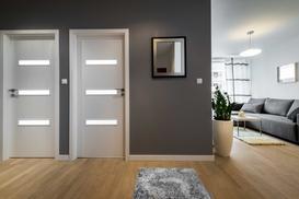 Standardowe i nietypowe wymiary drzwi wewnętrznych – praktyczny poradnik