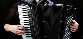 Cena akordeonu - zobacz, ile kosztują nowe i używane instrumenty muzyczne