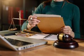 Ubezwłasnowolnienie całkowite - informacje, przepisy prawne, procedura