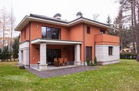 Budowa domu jednorodzinnego – krok po kroku załatwiamy niezbędne formalności
