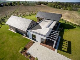 Dachy łupkowe: Naturalne, eleganckie i kunsztowne