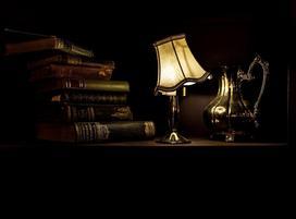 Stylowe oświetlenie we wnętrzach - lampy stołowe i stojące