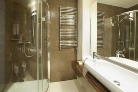 Szkło hartowane do kuchni i łazienki - cena, zastosowanie, porady