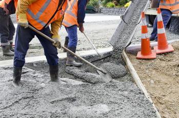 Pompy do betonu – rodzaje, ceny, opinie, wiodący producenci, porady