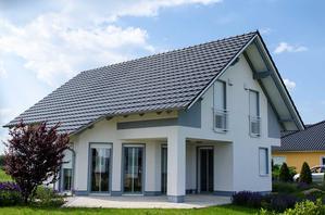 Konstrukcja dachu dwuspadowego – projekty, materiały, wykonanie