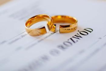 Jak napisać pozew rozwodowy? - informacje, przepisy, porady prawnika