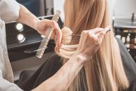 cennik fryzjerów - zobacz lokalne ceny w salonach i u barberów