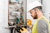 cennik pomiarów elektrycznych - sprawdź lokalne ceny przeglądu instalacji elektrycznych