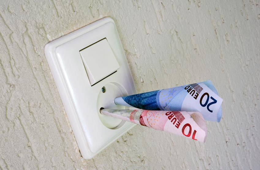 Przeróbki instalacyjne wykonywane podczas prac remontowych. Cena obejmuje przeniesienie gniazd lub drobne modernizacje punktów elektrycznych. Stawka obejmuje wyłącznie robociznę, bez kosztów zakupu materiałów.