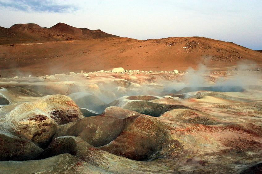 Uśredniony koszt wykonania odwiertów geotermalnych pod pompy ciepła. Normalny stopień skomplikowania prac, dobre warunki gruntowe. Cena nie obejmuje sondy.