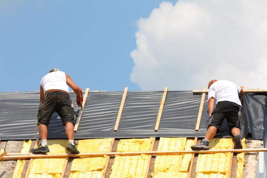 Wysokiej jakości folia paroprzepuszczalna, przeznaczona do wykończenia konstrukcji dachowych. Produkt dostępny w rolkach 1,5 x 50 m. Gramatura folii ok. 110 g/m2.