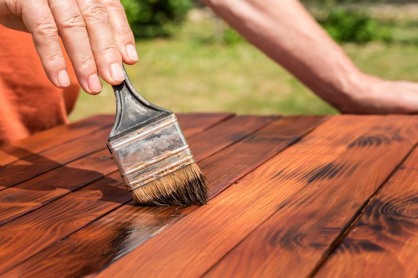 Koszt impregnacji elementów z drewna rodzimego. Farba nakładana dwuwarstwowo.