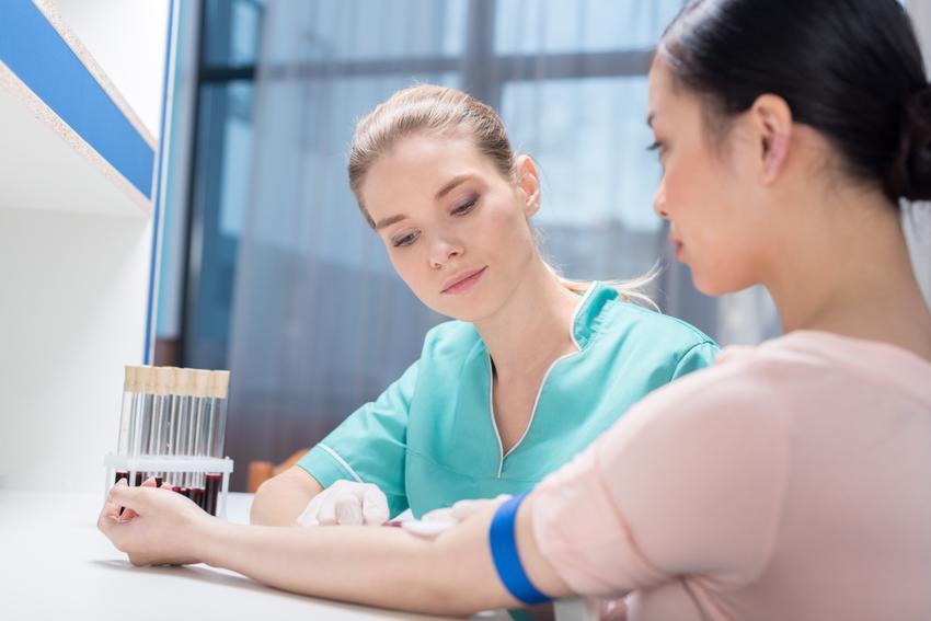 Uśredniony koszt badania markerów nowotworowych CA 125, jajniki.  Świadczenia medyczne zwolnione z podatku VAT.