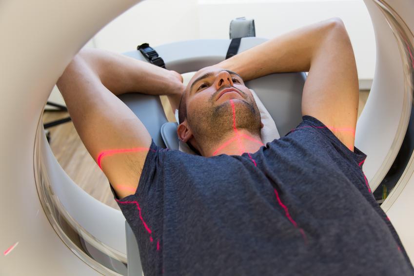 Średni koszt wykonania tomografii komputerowej płuc.  Świadczenia medyczne zwolnione z podatku VAT.