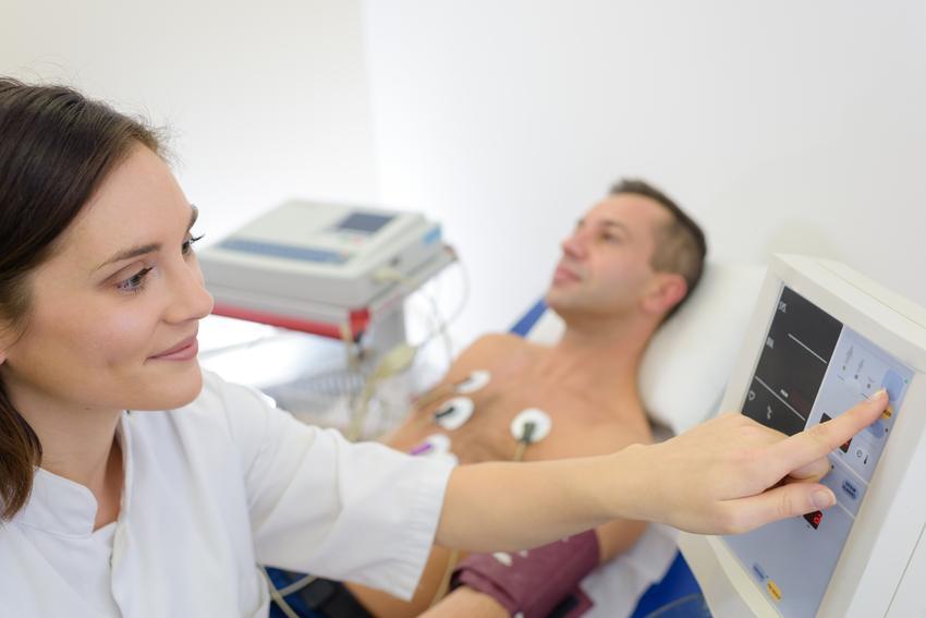 Koszt wykonania badania echa serca.  Świadczenia medyczne zwolnione z podatku VAT.