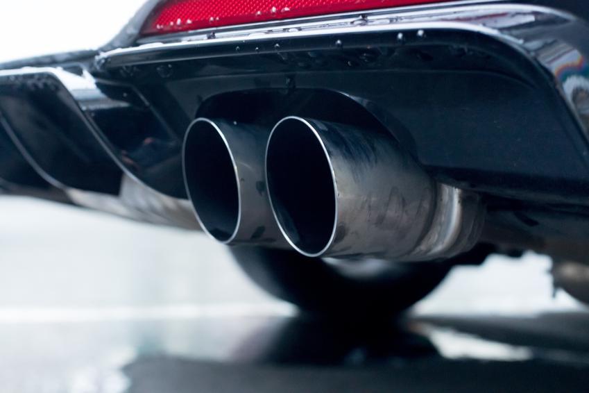 Średnia cena skupu katalizatorów do samochodów marki Audi A4. Stawka VAT na złom - odwrotne obciążenie.