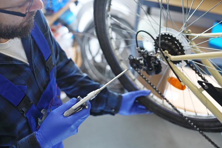 Koszt wykonania pełnego przeglądu roweru. Cena nie obeujmuje zakupu nowych części.
