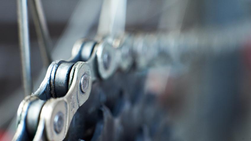 Średni koszt wymiany łańcucha rowerowego. Normalny stopień skomplikowania prac.