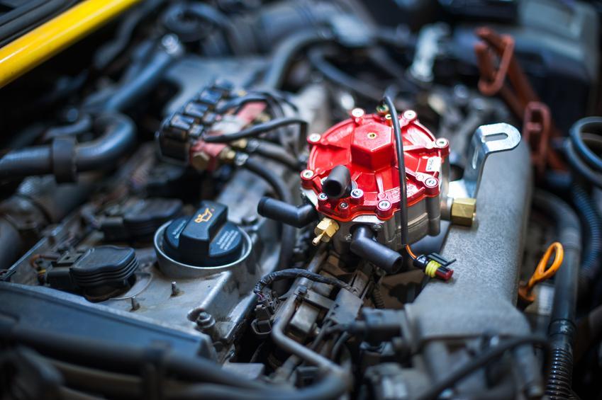 Średni koszt montażu instalacji gazowej do samochodu z wtryskiem jednopunktowym. Instalacja I generacji bez elektroniki.Warsztat z pośredniej półki cenowej.