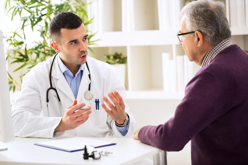 Średni koszt prywatnej wizyty u pulmunologa. Lekarz z tytułem doktorskim, cena jednokrotnej konsultacji bez dodatkowych badań. Cennik usług medycznych zwolniony z podatku VAT.