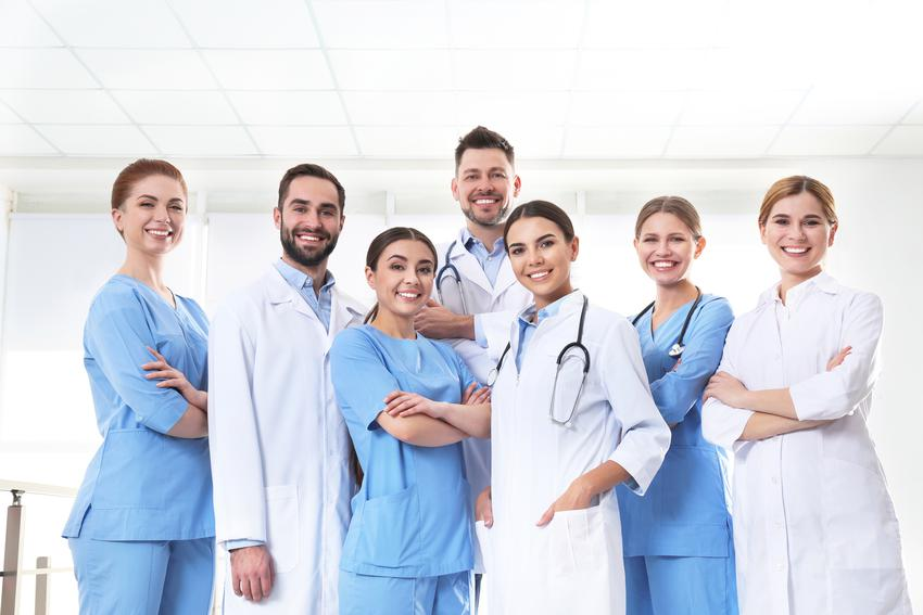Średni koszt prywatnej wizyty u wenerologa. Lekarz z tytułem doktorskim, cena jednokrotnej konsultacji bez dodatkowych badań. Cennik usług medycznych zwolniony z podatku VAT.
