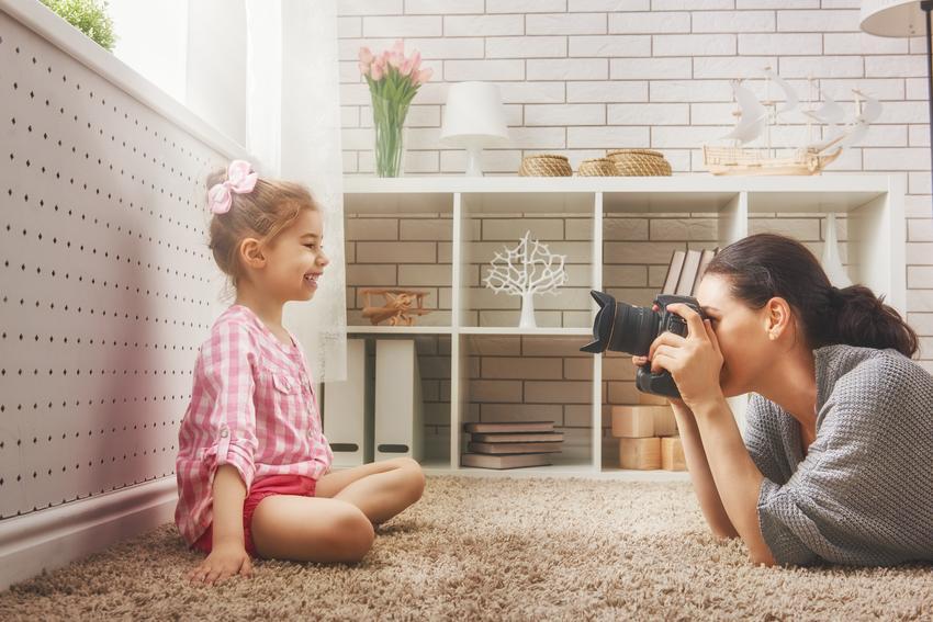 Średni koszt wykonania fotograficznej sesji dziecięcej. Sesja do 4 godzin w miejscu wskazanym przez klienta.