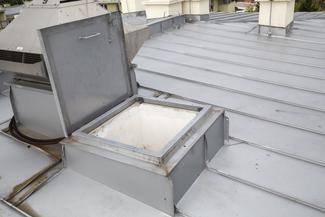 Cennik montażu okien połaciowych i wyłazów dachowych 2021 w ponad 150 miastach w Polsce