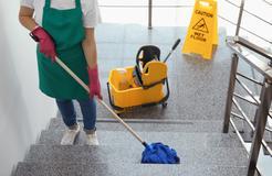 Cennik sprzątania klatek schodowych 2021 w ponad 150 miastach w Polsce