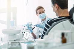 Cena wizyty u dentysty w ponad 160 miastach w Polsce