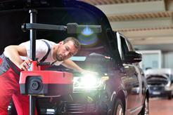 Cena ustawiania świateł w samochodzie w ponad 160 miastach w Polsce