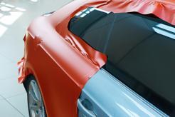 Cennik oklejania tylnej klapy samochodu w ponad 160 miastach w Polsce