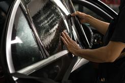 Cena przyciemniania szyb samochodowych w ponad 160 miastach