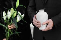 Ceny nagrobków urnowych w ponad 160 miastach w Polsce