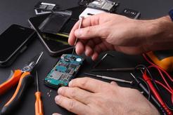 Koszt wymiany baterii w telefonie w ponad 160 miastach w Polsce - sprawdź koszty!